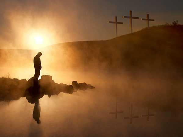 Ludzie czekają na promień słońca …